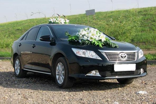 Toyota Camry чёрная
